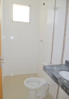 http://www.imobiliarialucro.com.br/fotos_imoveis/1067/P1030799-001.JPG