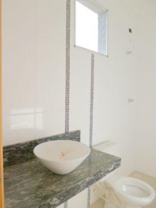 http://www.imobiliarialucro.com.br/fotos_imoveis/1067/P1030812-001.JPG