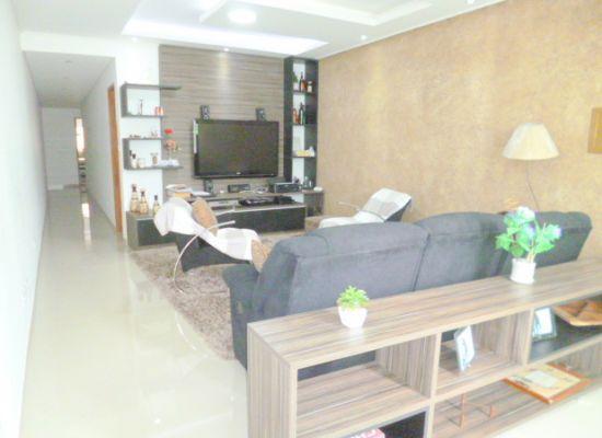 http://www.imobiliarialucro.com.br/fotos_imoveis/1427/P1040098-001.JPG