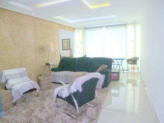http://www.imobiliarialucro.com.br/fotos_imoveis/1427/P1040100-001.JPG