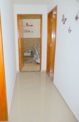 http://www.imobiliarialucro.com.br/fotos_imoveis/1427/P1040106-001.JPG