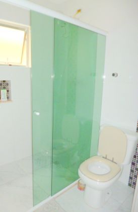 http://www.imobiliarialucro.com.br/fotos_imoveis/1427/P1040111-001.JPG