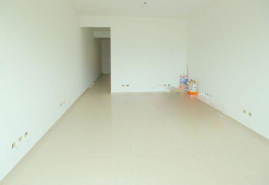 http://www.imobiliarialucro.com.br/fotos_imoveis/1428/P1040128-001.JPG