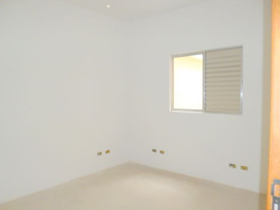 http://www.imobiliarialucro.com.br/fotos_imoveis/1428/P1040144-001.JPG