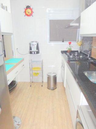 http://www.imobiliarialucro.com.br/fotos_imoveis/1624/Cozinha-001.jpg