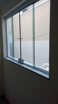 http://www.imobiliarialucro.com.br/fotos_imoveis/1785/2,1.jpg