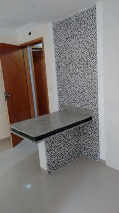 http://www.imobiliarialucro.com.br/fotos_imoveis/1785/4_1.jpg