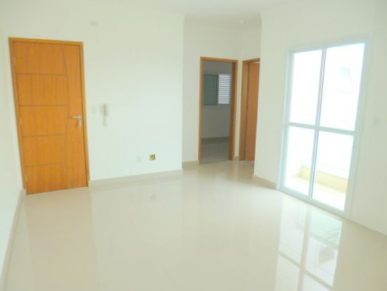 http://www.imobiliarialucro.com.br/fotos_imoveis/1925/P1110123-001.JPG