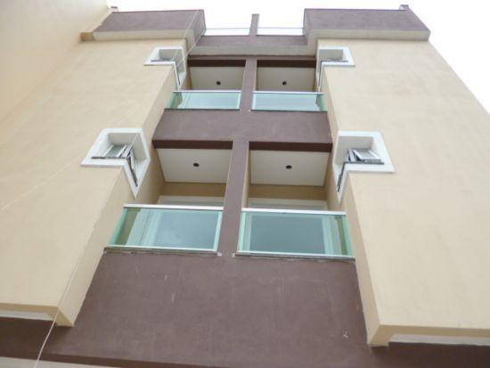 http://www.imobiliarialucro.com.br/fotos_imoveis/2171/j.JPG