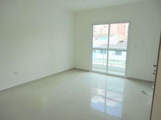 http://www.imobiliarialucro.com.br/fotos_imoveis/2192/DSC06121.JPG