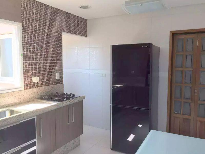 http://www.imobiliarialucro.com.br/fotos_imoveis/2327/2017.06.20-11.45.26-9.jpg