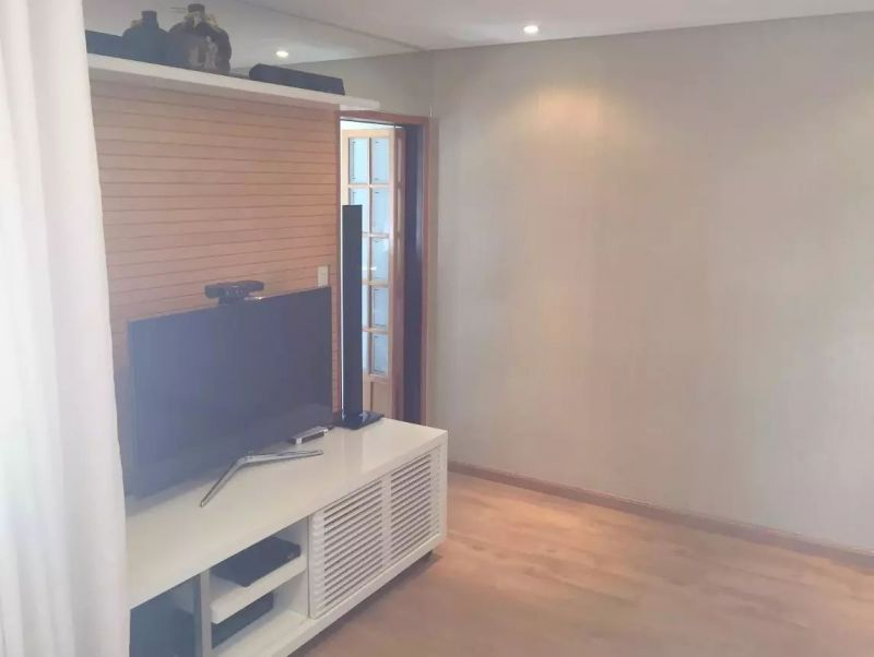 http://www.imobiliarialucro.com.br/fotos_imoveis/2327/2017.06.20-11.45.27-11.jpg
