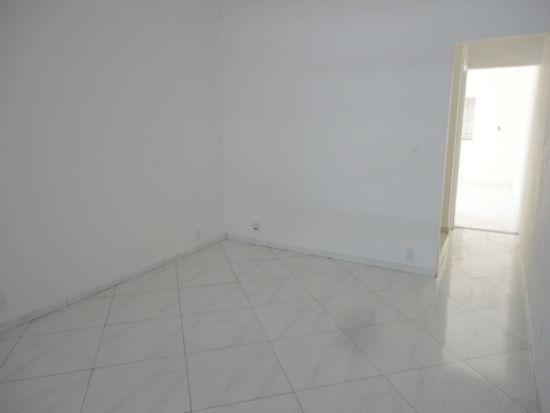 http://www.imobiliarialucro.com.br/fotos_imoveis/485/23.JPG