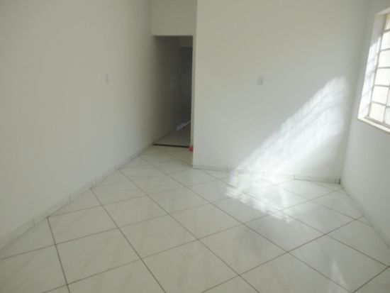 http://www.imobiliarialucro.com.br/fotos_imoveis/485/26.JPG