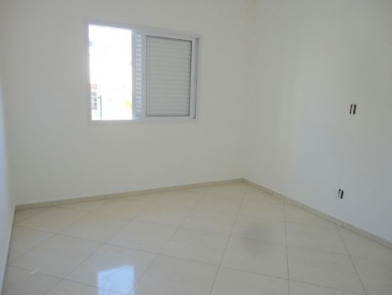 http://www.imobiliarialucro.com.br/fotos_imoveis/485/29.JPG