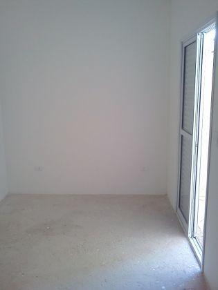 http://www.imobiliarialucro.com.br/fotos_imoveis/942/quarto2.jpg